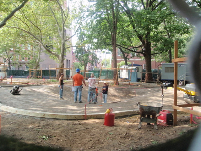 """New """"Mounds"""" at Washington Square Park Taking Shape – but in what form?"""